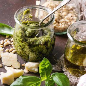 77 How to make basil pesto 1
