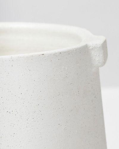 White Handle Pot 4